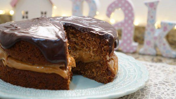 Bolo de Chocolate com Especiarias e açúcar Demerara